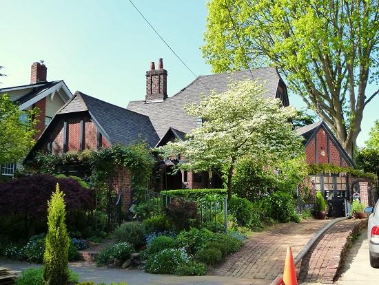 Enokapna ali večkapna streha? Izberite kvalilteto!