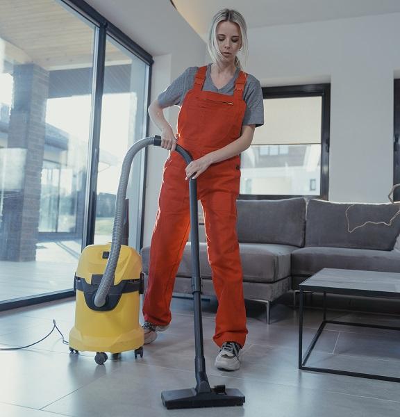 Čiščenje na domu s pripomočki
