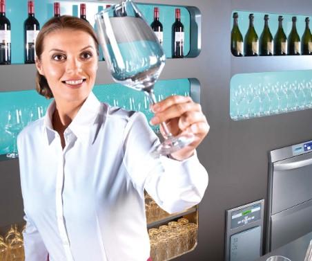 Pomembnost rednega čiščenja gostinske opreme